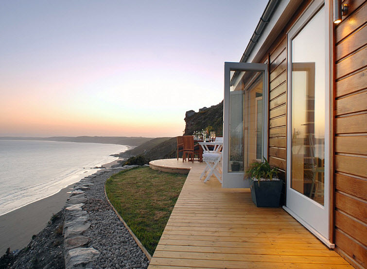 Small House Love On The Beach With A View